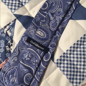 Croft and Barrow Blue and White Swirly Tie